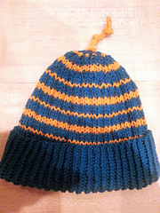 Ribbed_stripey_hat_small