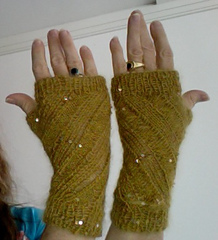 Goldmitts_small