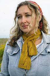 P106_cable_keyhole_scarf_model_small_best_fit