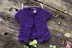 14-in-the-thick-of-it_crochet-baby-sweater_100-baby-sweater-patterns_02_small_best_fit