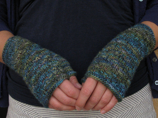 Leafy_mitts_small2