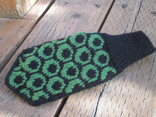 Circle_mittens_sept_23_2011_002_small2