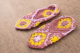 Crochet-scene-2014-grannies-0106_small_best_fit