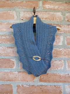 Possum_cowl_007_small2