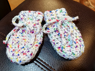 Ravelry Cute Crochet Newborn Baby Mitts Pattern By Marianna Mel