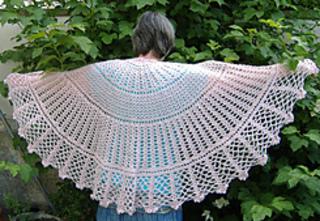 Big_love_shawl1_dscf3606_small2
