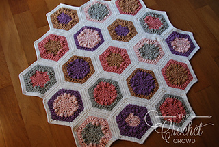 Ravelry Hugs Amp Kisses Hexagon Quilt Pattern By Jeanne