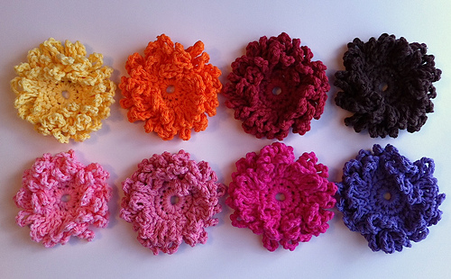 Ravelry: Loopy Flower - two variations pattern by Crochet by Jennifer