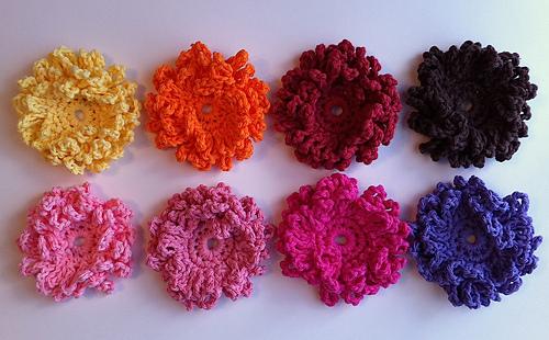 Loopy Flower - two variations pattern by Crochet by Jennifer