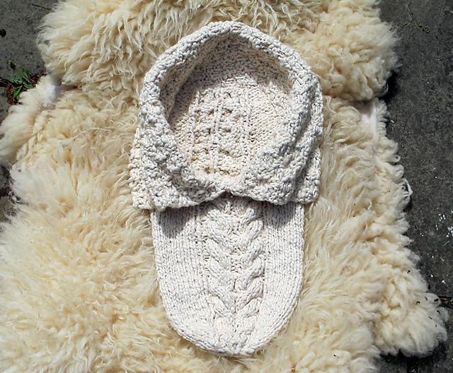 Ravelry: Saco de dormir para bebés, patrón de cable Aran pattern by ...