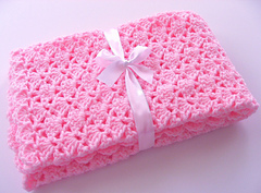 Pink_car_seat_afghan_bow_for_pattern_small
