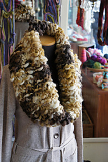 Big_warm_cowl_02_small2