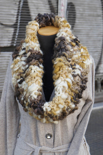 Big_warm_cowl_04_small2