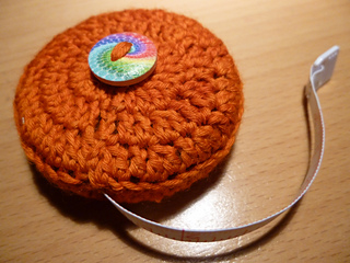 Tape_measure_cosy_for_debby__5__small2