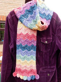 Rippling_rainbow_scarf__5__small2