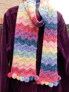 Rippling_rainbow_scarf__6__small2
