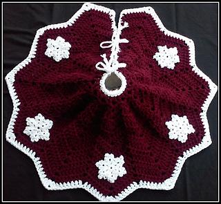 Free Christmas Tree Skirt Pattern