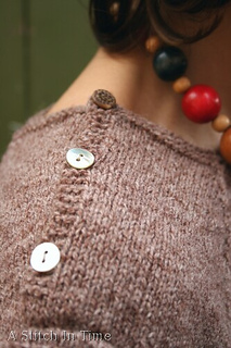 Enasweater_shoulder_small2