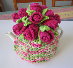 Rosebuds_cosy_2_small