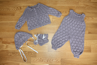 Ravelry 21004 Baby Set Pattern By Kari Haugen
