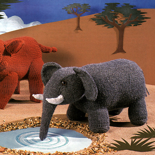Knitted_elephant_small2