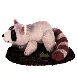 Knitted_raccoon_small2