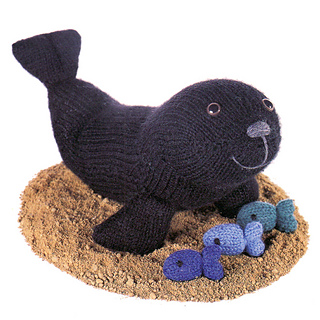 Knitted_sealion_small2