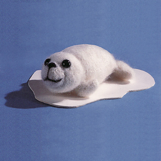 Knitted_white_seal_small2