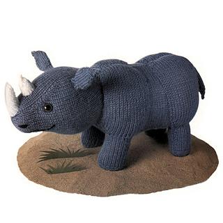 Knitted_rhinoceros_small2