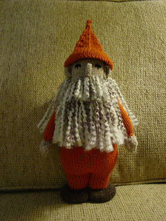 Knitted_gnome_001_small2
