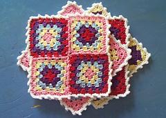 Free-crochet-granny-square-coaster-set_small