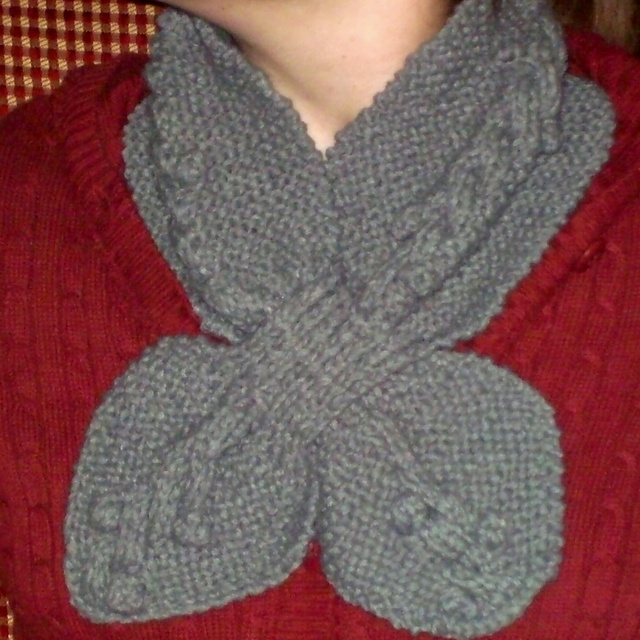 Ravelry: Anthropologie-Inspired Bobble Cable Ascot pattern by Kayla Pins