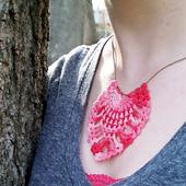 Pinneaple-crochet-necklace-pendant-free-pattern_small_best_fit
