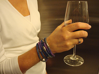 Wrapped-bracelet-at-the-wine-bar_small2