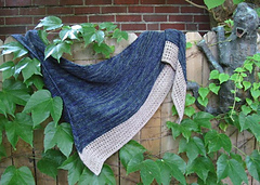 Lateen_shawl_outside_small