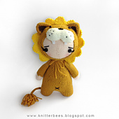 Lion_onesie_babe1_small_best_fit