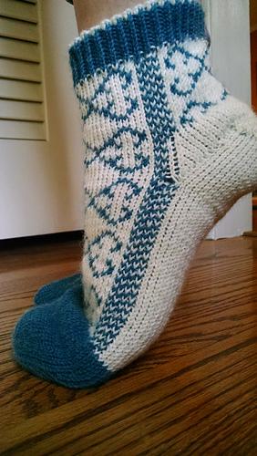 Ravelry Quatrefoil Reversible Slipper Socks Pattern By Lauren Savidge