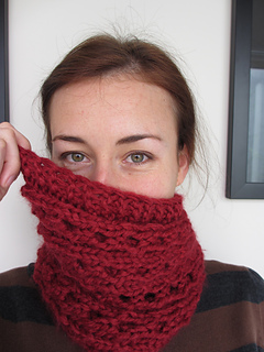 Quickie Cowl Knitting Pattern : Ravelry: Quickie Cowl pattern by Fawn Pea