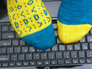 Emoticon_socks_2_small2