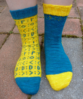 Emoticon_socks_5_small2