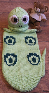 new arrival 57ac2 e1ddf Dinosaur snuggle sack & hat pattern by Knits-r-us