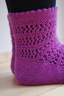 Sock_anatomy_clare_devine_yarn_and_pointy_sticks_04_small2