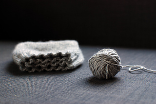 Yarn_and_hat_small2