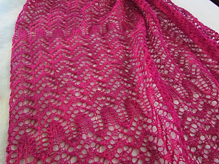 Party_lace_wrap_on_table_01_small2