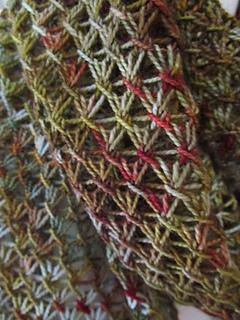 Careen_beaded_stitch_closeup_02_small2