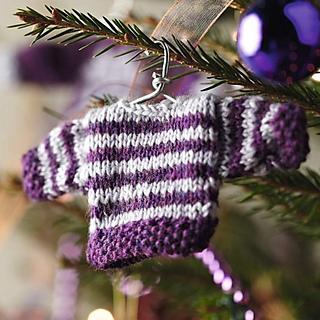 Sk_tree_decoration_stripe_sweater_small2