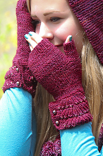 Escallop_mitts_the_knitting_vortex_small2
