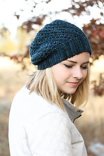 Yoli_hat_last_look_the_knitting_vortex_small2