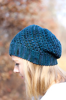 Yoli_hat_the_knitting_vortex_small2