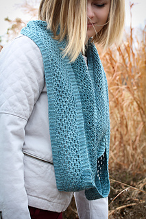 Yoli_loop_worn_long_the_knitting_vortex_small2